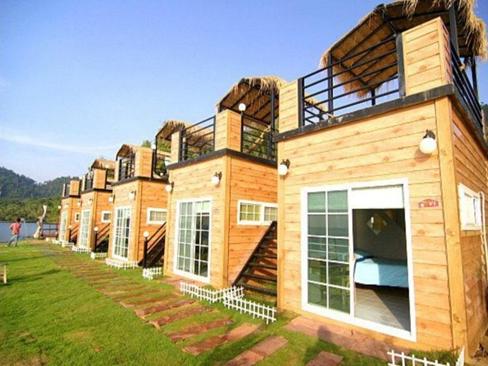 Koh Chang: malownicze bungalowy? Nic bardziej mylnego! (fot. www.agoda.com)